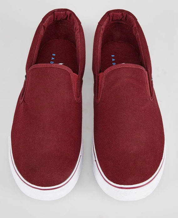 YoursClothing Mens Burgundy Canvas Slip On plimsolls red.